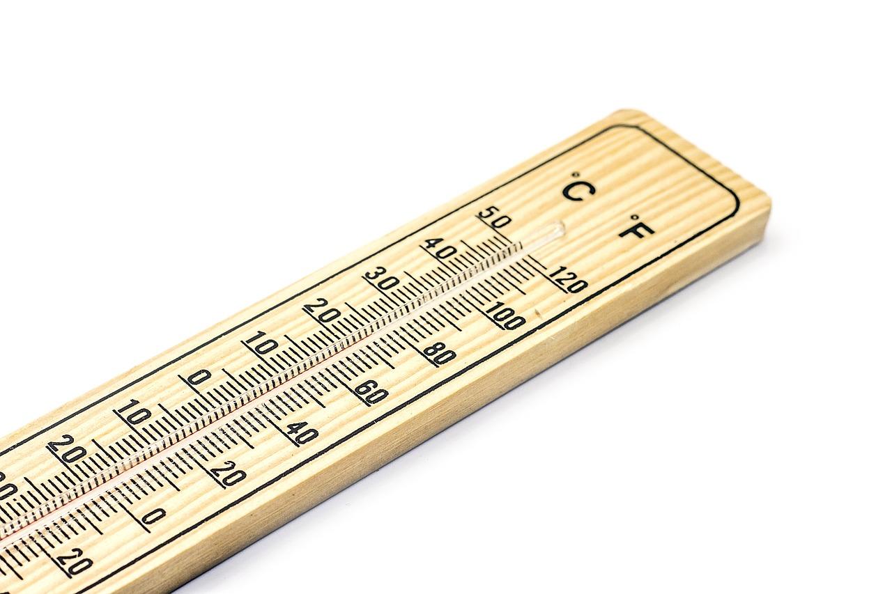 Image for De temperatuur in de slaapkamer stijgt en je partner begint je langzaam uit te kleden. Jij: